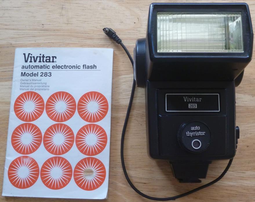 VIVITAR 283 Universal Electronic Flash Unit For any SLR Cameras w/ shoe mount