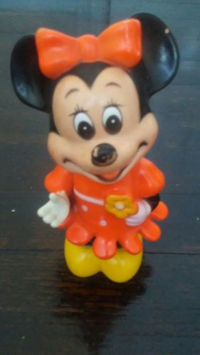 VINTAGE WALT DISNEY PRODUCTIONS PLASTIC MINNIE  MOUSE BANK WITH ORIGINAL STOPPER