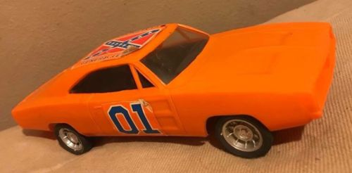 Vintage 1980 HG Toys Dukes of Hazard GENERAL LEE Orange PLASTIC CAR 10