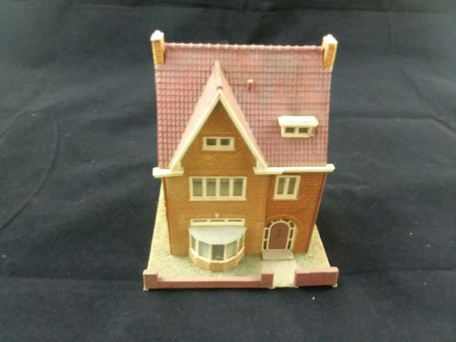 Kibri HO Scale Brick House 17a