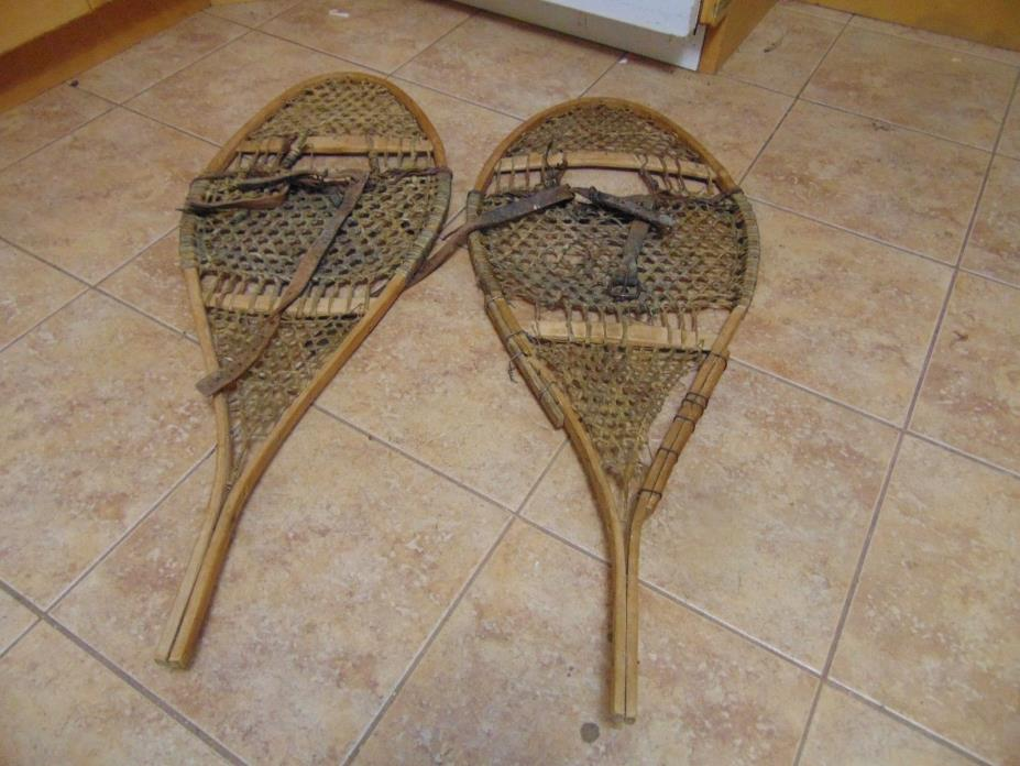 vintage,  snowshoes/    as is  chalet decor   15 x 42  # 2217
