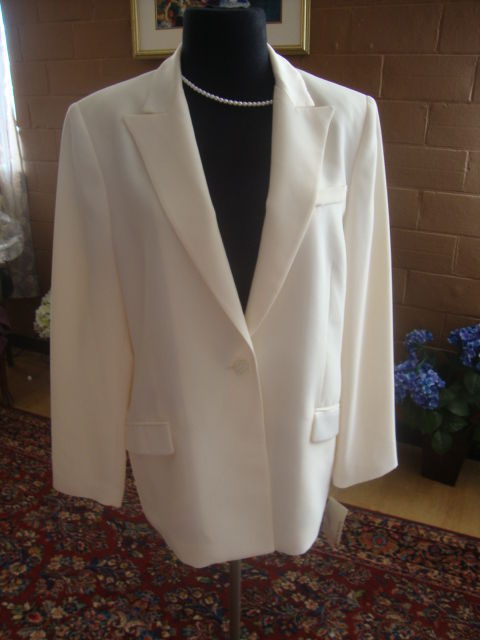 NWT Formal Evening Pant Suit Bridal Sz 14P Ivory Tuxedo Suit w/Satin Side Seam
