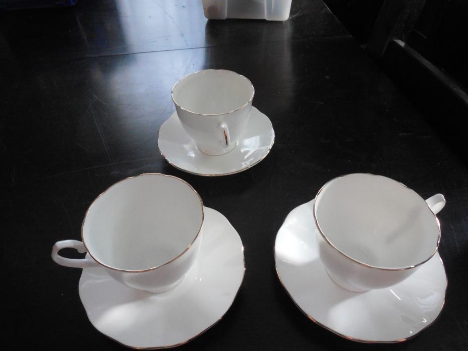 Taylor & Kent Teacups & Saucers Gold Rim Bone China c1950s --- set of 9 & totes