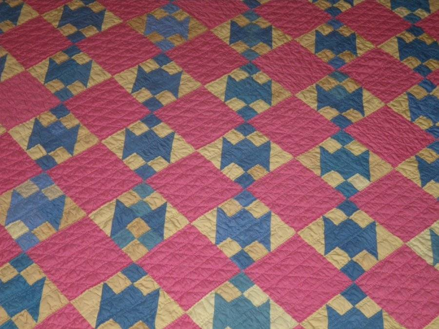 Vtg New 1930's Hand Pieced and Hand Quilted Blue & Pink Quilt! Pristine! 74 x 86