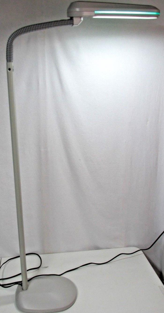 OTTLITE 18watt TrueColor Floor Lamp Work Sewing Tattoo Knit Hobby Medical Office