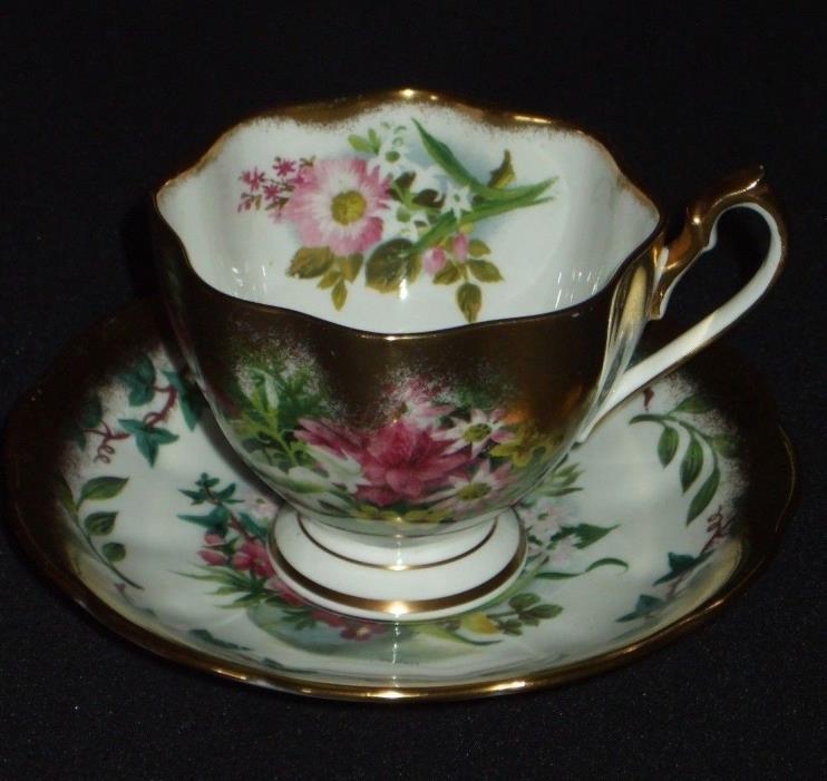 QUEEN ANNE 5075 Antique Tea Saucer Cup Set Bone China Teacup Sprayed Gold Pink