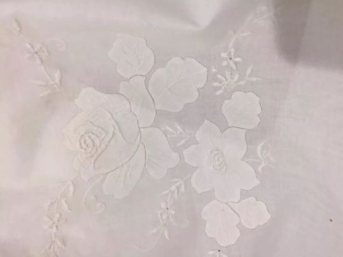NOS Vintage (1) Madeira Table Cloth (13) Napkins 100% Linen Embroidery