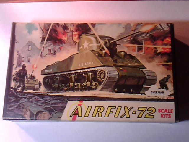 UNBUILT ORIGINAL AIRFIX U.S. ARMY SHERMAN TANK 1/72 SCALE MODEL KIT #M4-49