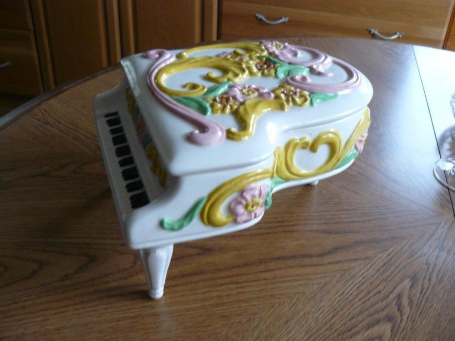 Jamar Mallory studio ceramic jewelry box  - piano, painted.  5