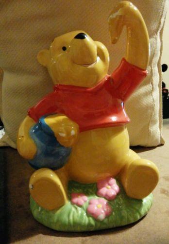 Enesco Disney - Winnie the Pooh with Honey Pot  Bank
