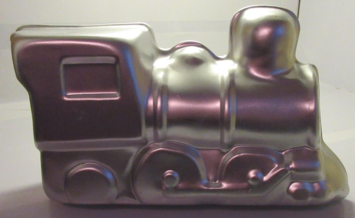Wilton CHOO CHOO TRAIN 3D Cake Tin Baking Pan Mold 2105-2861 Great Used Conditio