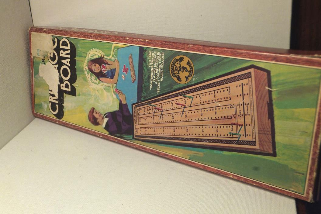 Vintage 1967 Pacific Game Co. Wood Continuous Track Cribbage Board w/pegs