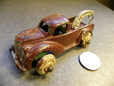 Arcade 1930's Tow Truck / repainted / missing two tires / 4 1/4