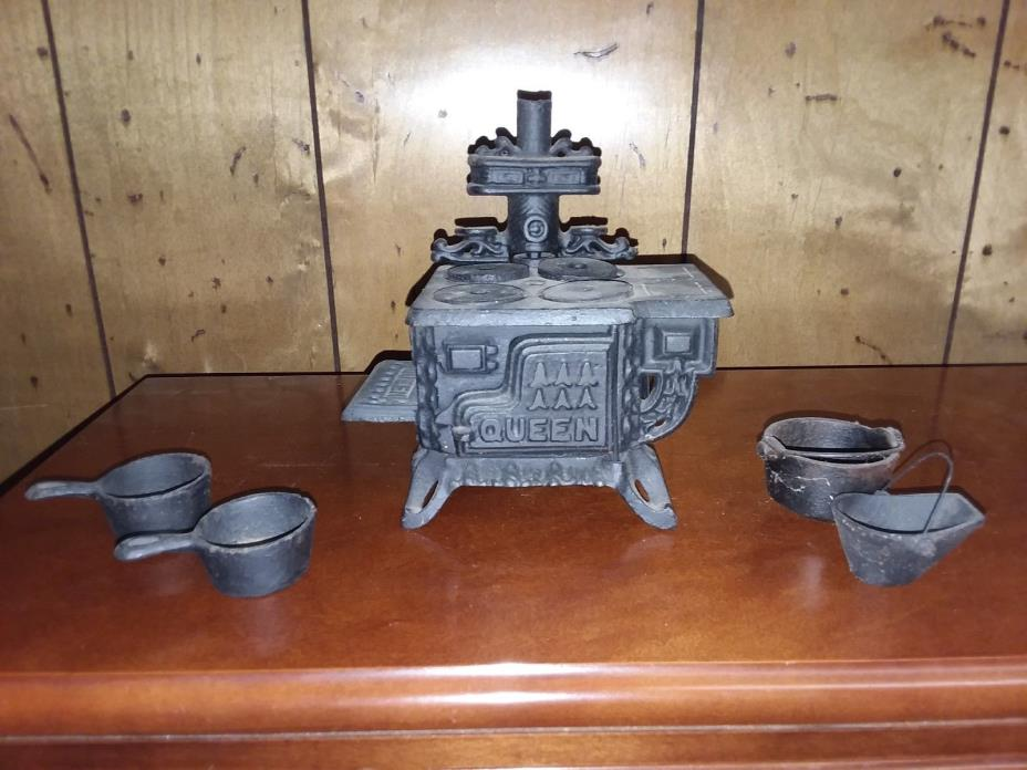 Vintage Queen Mini Cast Iron Toy Stove plus extra pans,cauldron,coal basket