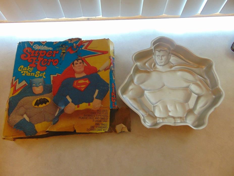 Vintage SUPERMAN Aluminum Cake pan by Wilton, 1977 - Original Box
