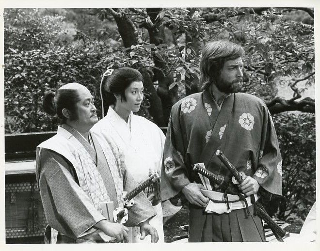 FRANKIE SAKAI YOKO SHIMADA RICHARD CHAMBERLAIN SHOGUN ORIGINAL 1984 NBC TV PHOTO