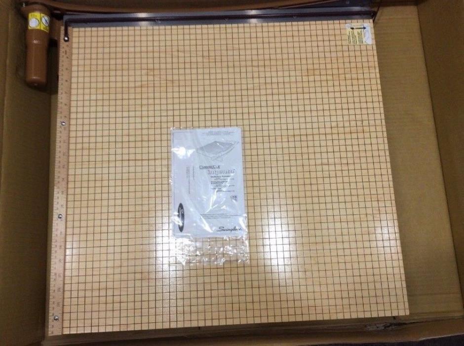 SWINGLINE 1162A Classic Cut Maple Paper Trimmer, 24