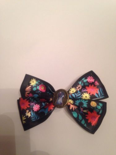 Authentic Disney Hairbow, Alice In Wonderland Through the Keyhole