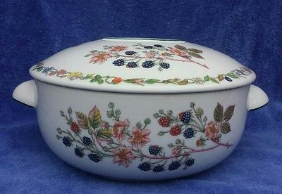 RARE~ Aynsley LYNDHURST Covered Casserole w/ Blackberries and Flowers, ENGLAND