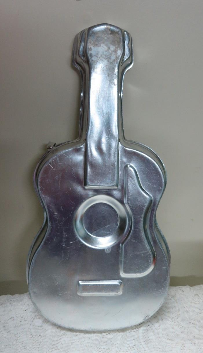 Vintage 1971 Wilton Aluminum Cake Pan Guitar 502-925 17½