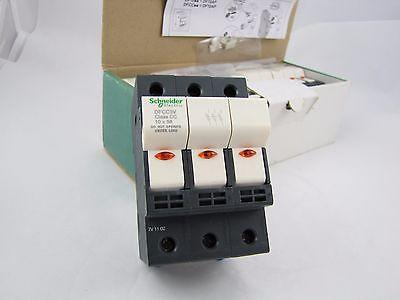 SCHNEIDER ELECTRIC DFCC3V FUSEHOLDER 600V 30AMP 3POLES CC FUSE - Q-TY of 4