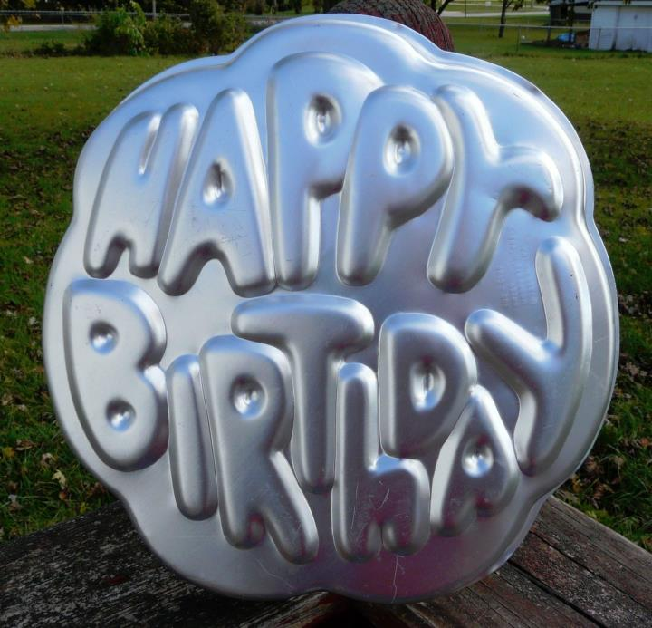 1980 Wilton Happy Birthday Cake Pan 502-2405 GUC