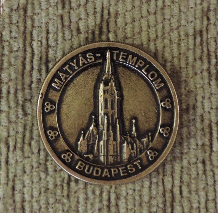 MATTHIAS CHURCH BUDAPEST HUNGARY TOKEN COIN COLLECTIBLE MATYAS SOUVENIR EUROPE
