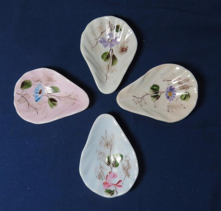 4 Antique Hand Decorated Pastel Colored Individual Oyster Shooters Dishes