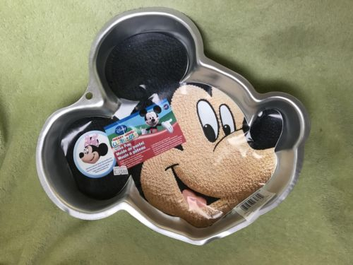 WILTON CAKE PAN MICKEY MOUSE FACE Clubhouse Disney 2105-7070 with paper insert