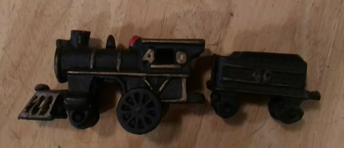 Vintage CAST IRON Toy TRAIN SET #40 locomotive  #40 car 2 pieces