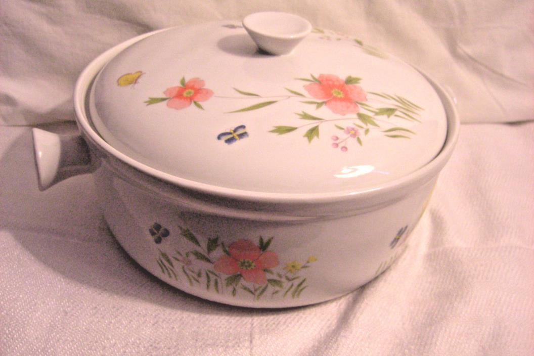 Lg Country Flowers by ANDREA Porcelain covered casserole Oven to Table Cookware