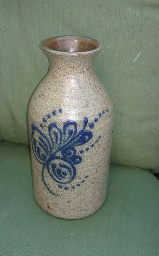 CROCKER & SPRINGER Blue Decorated Handled Stoneware Pottery Crock 1 quart