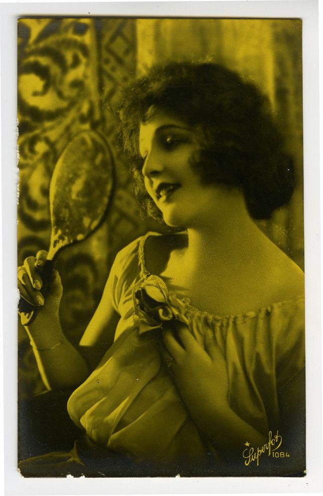 1920s Italian Deco Glamor Glamour PRETTY FLAPPER Lovely Lady photo postcard