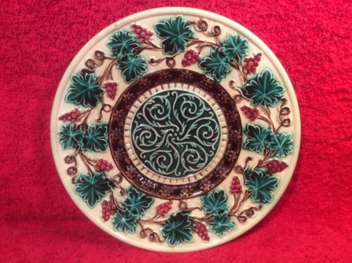 Antique German Majolica Grapes & Leaves Plate, gm389