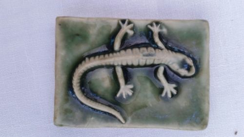 TILE LIZARD ARTIST DESIGNED STUDIO POTTERY COLLECTABLE ART POTTERY #7