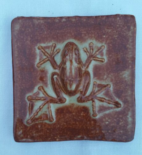 TILE FROG ARTIST DESIGNED STUDIO POTTERY COLLECTABLE ART POTTERY #3