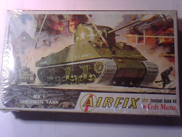 SEALED  AIRFIX U.S. ARMY SHERMAN TANK 1/72 SCALE MODEL KIT #M4-50