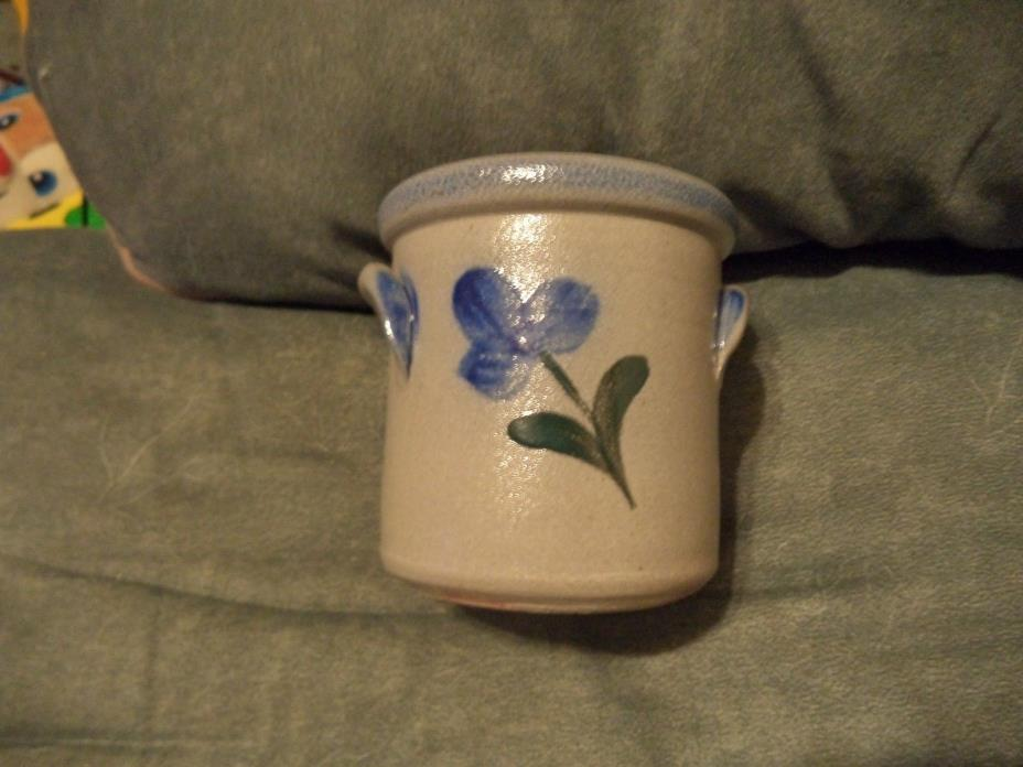 Rowe Pottery Works 2001 Small Crock Blue Flower Stoneware