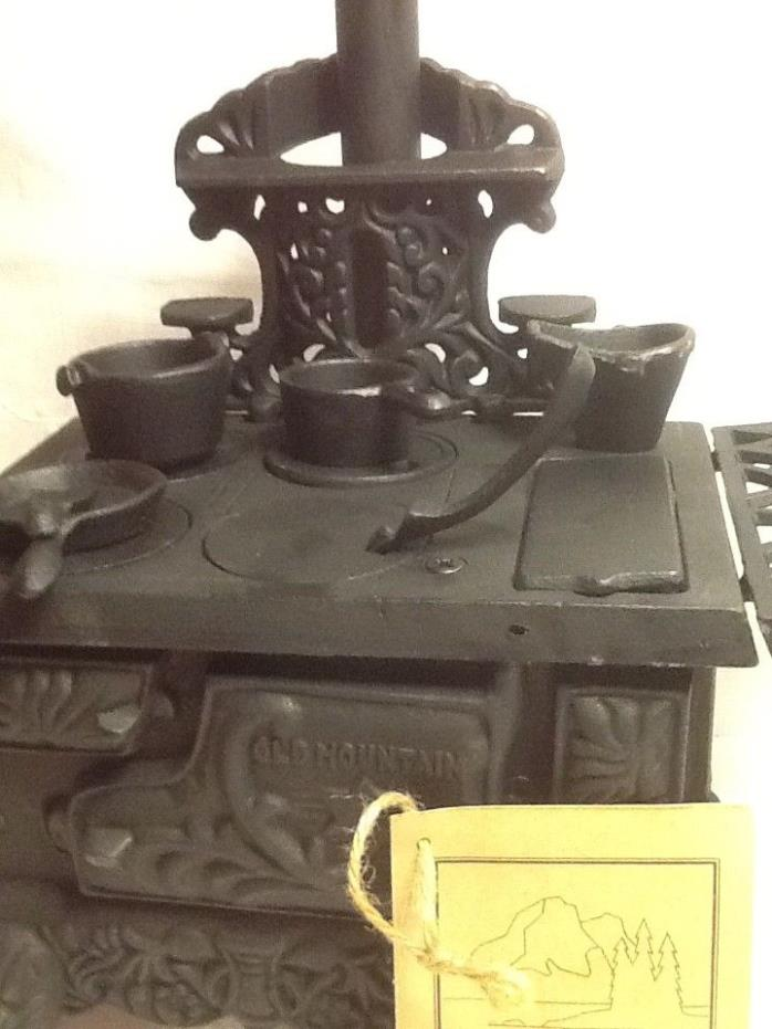 Vintage Old Mountain Miniature Cast Iron Stove and Cookware