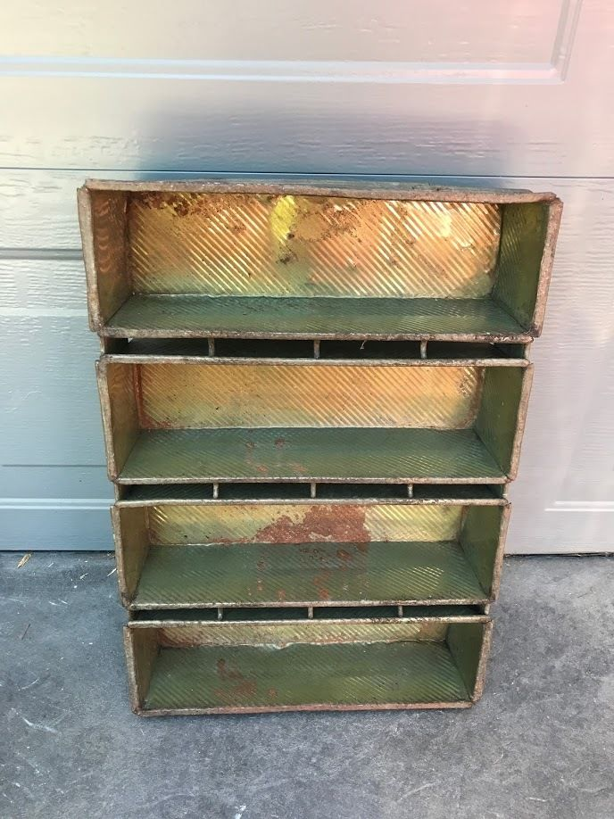 VINTAGE industrial LOCKWOOD LOAF PANS 75 Bread RUSTIC PRIMITIVE storage TRAYS