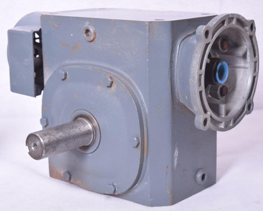 Boston Gear 300 Series Gear Reducer F332-30A-G1 3.19 Imput 2680 Out Ratio 30.