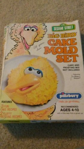 Big Bird cake mold set sesame street pillsbury