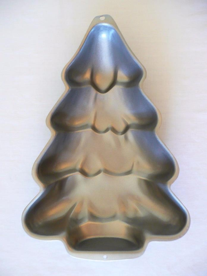 1997 Wilton Christmas Tree Cake Pan, Evergreen, Holiday