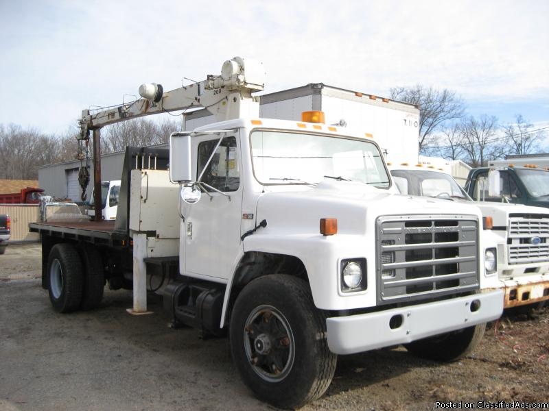 internation diesel crane truck