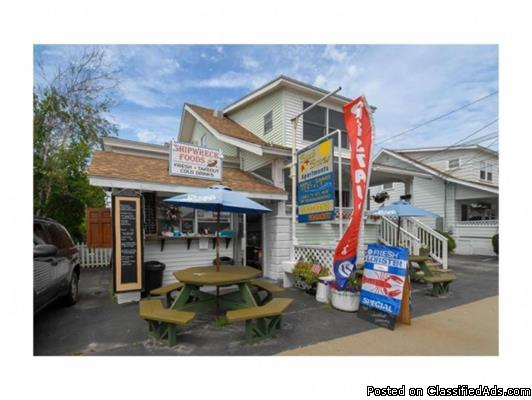 Excellent Investment Opportunity to Own-Operate this Multi-Unit in Old Orchard...