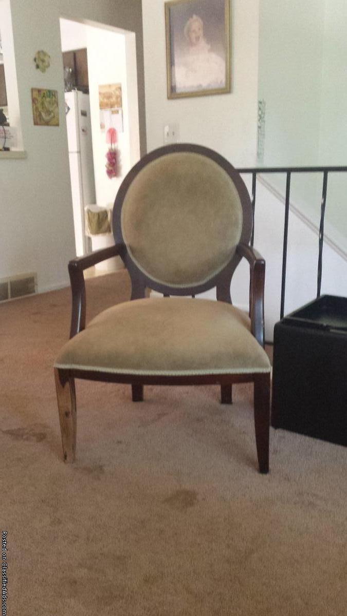 Lrg. Vintage chair