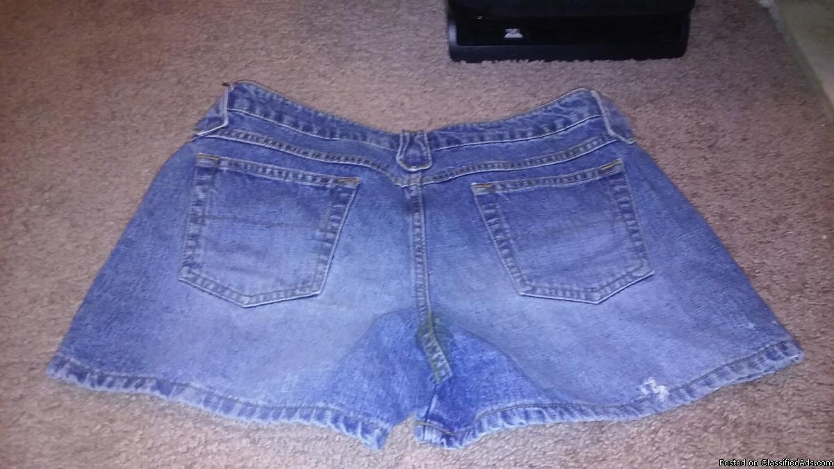 Canyon River Blues shorts size 9