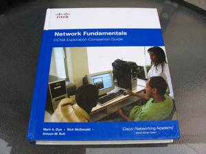 CISCO. Network Fundamentals. CCNA Exploration Companion Guide (W Sunset Blvd.