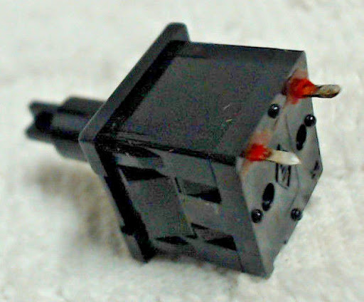 Mount Switch (x1) for Apple IIe Keyboard Key Caps