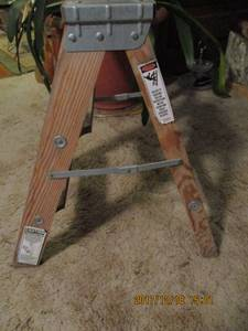 Werner Wood 2 Step Ladder (Terrebonne)